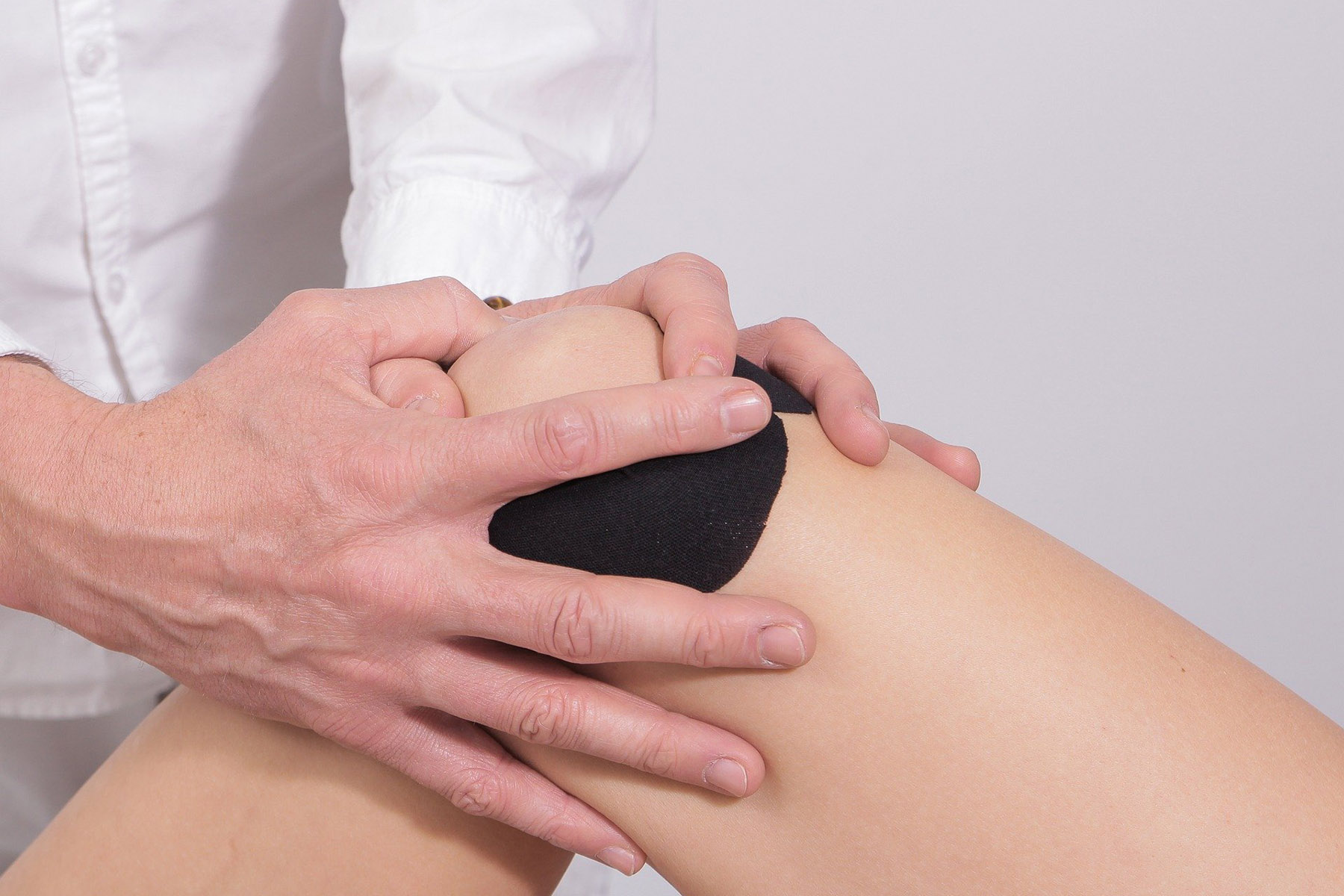 knee cap problems injuries treatment reading